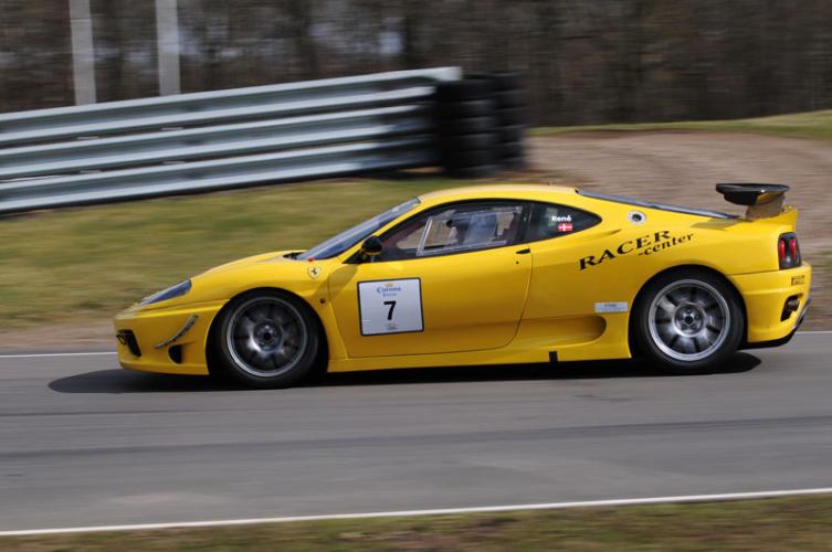 Ferrari-Gul-(31)