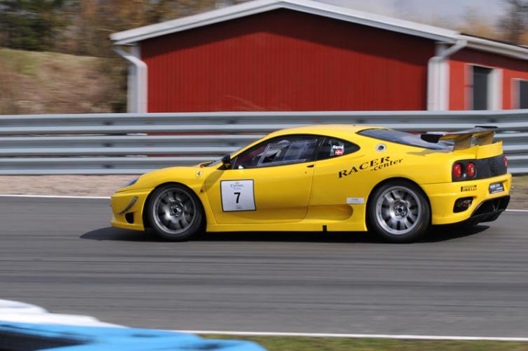 Ferrari-Gul-(32)